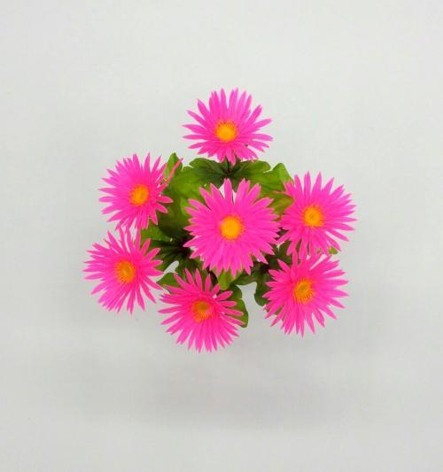 Искуственные цветы romashka-plastmass 665